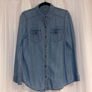 Rubbish Medium Wash Chambray Button Up Shirt